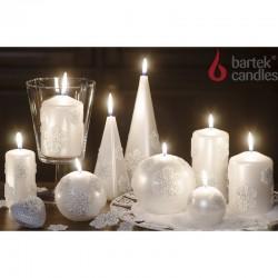 BARTEK-CANDLES Svíčka dekorativní CHRISTMAS SNOW - pyramida 80x80x330 mm - Perleť